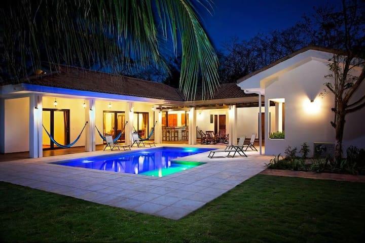 Villa Colorados (Playa Colorados) - Tola - Villa