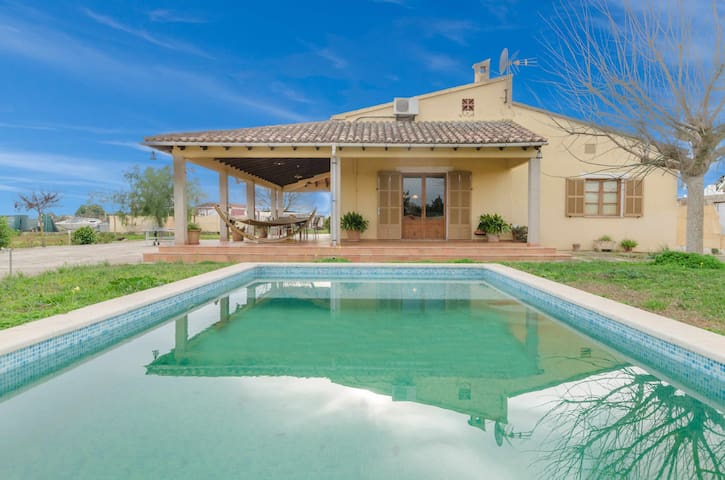 YourHouse Can Ferradura, charming finca with private pool in Binissalem
