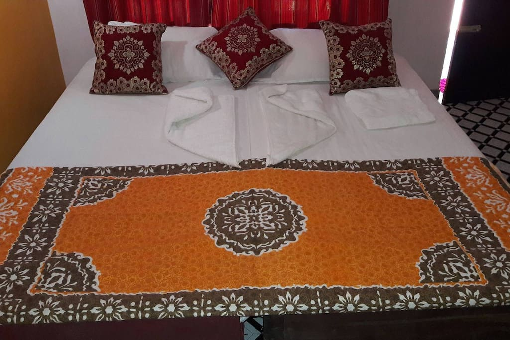 Room can be set with twin beds or double bed