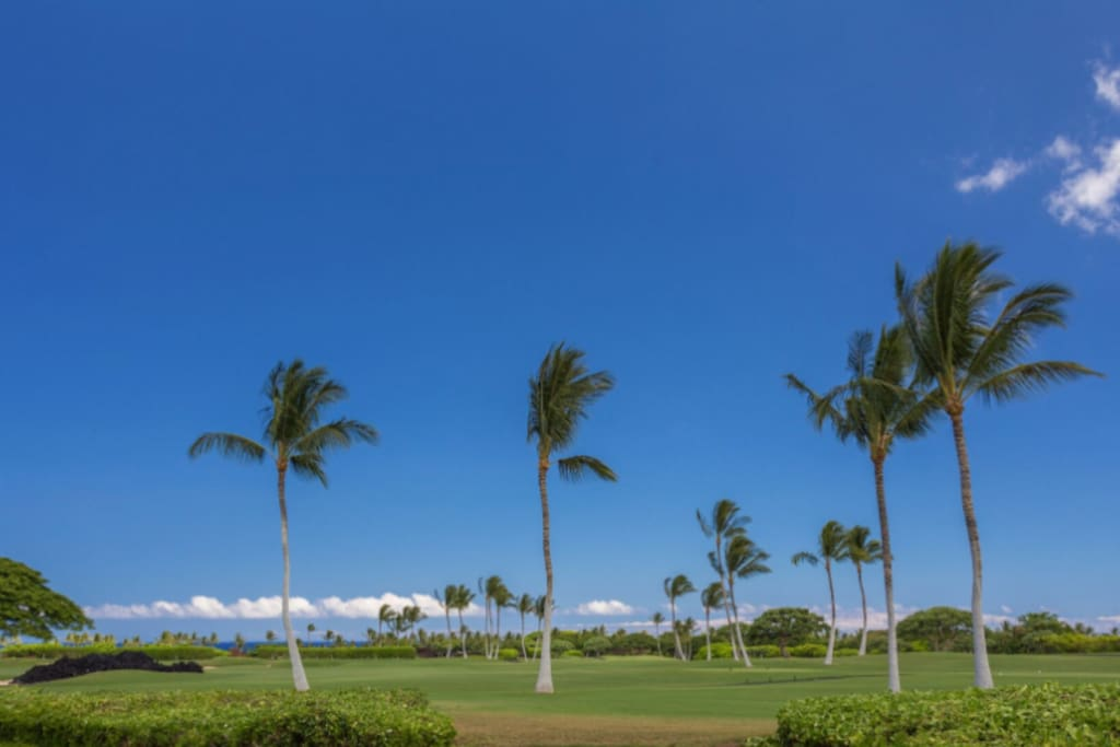 Expansive Hualalai Golf Course Frontage View to Ocean from Lanai