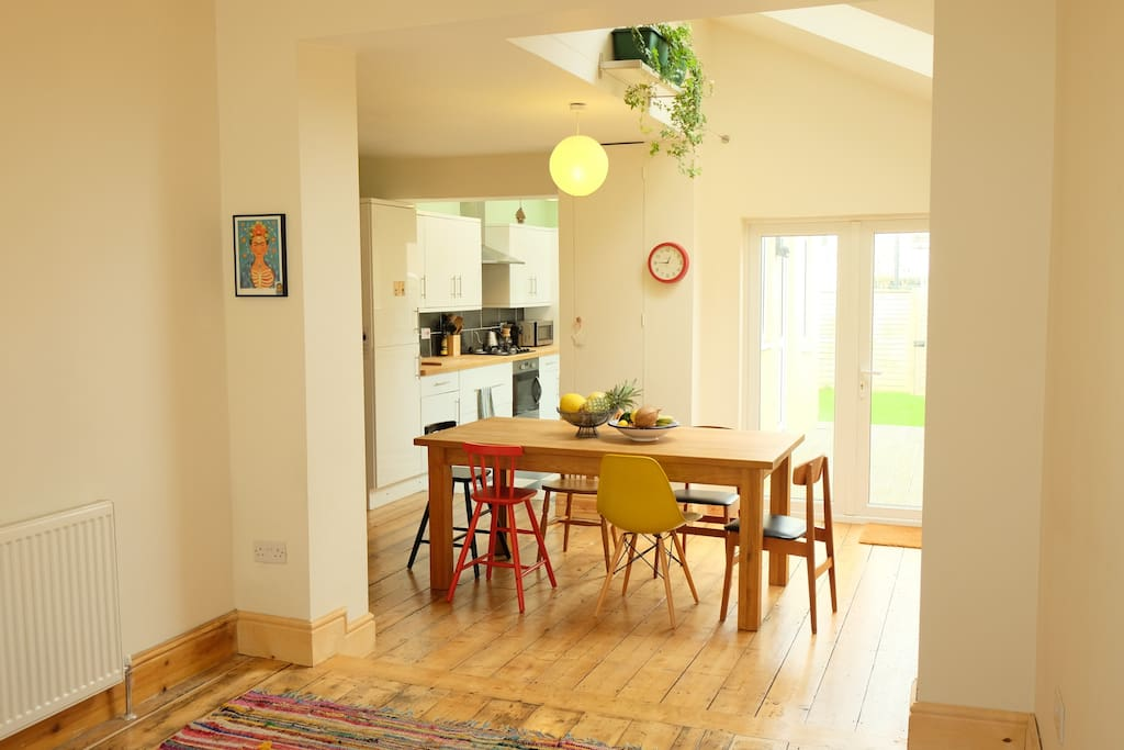 Light and airy dining table