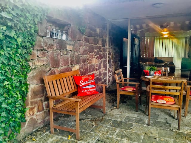 Zamárdi, Red Stone Cottage, 2 mins from the  beach