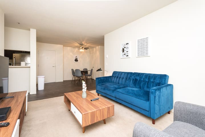 Delightful 2A Daly City Modern Apt with Pool+Gym!
