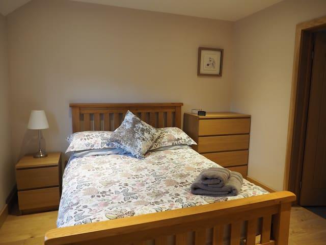 Solid Oak Double Bed with Oak Flooring