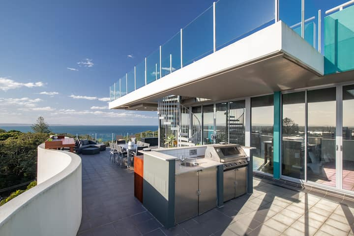 FORSTER BEACH PENTHOUSE - PANORAMIC VIEWS