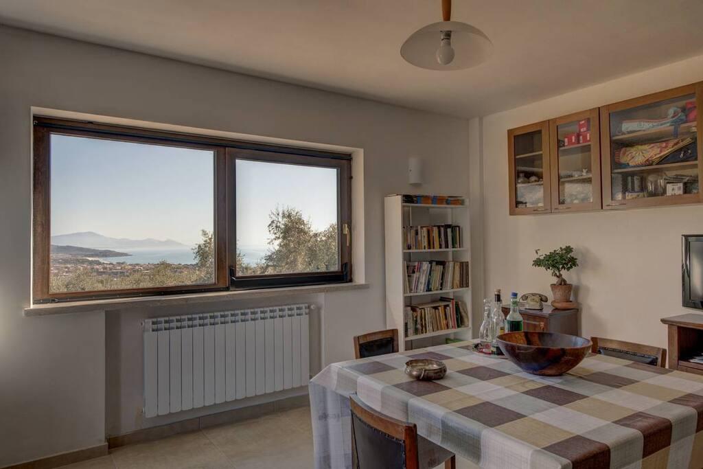 Livingroom/diningroom