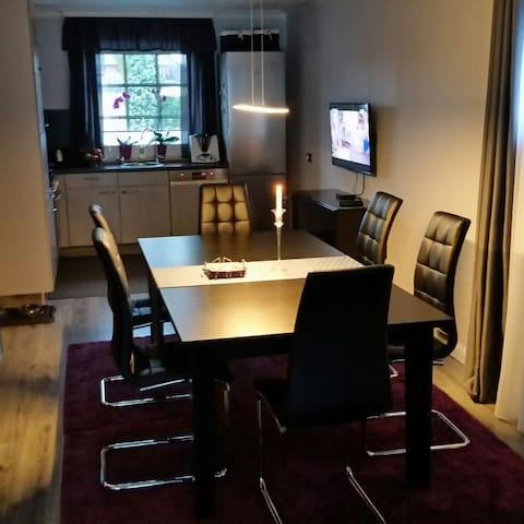Schönes Einzelzimmer - Laatzen - Hus