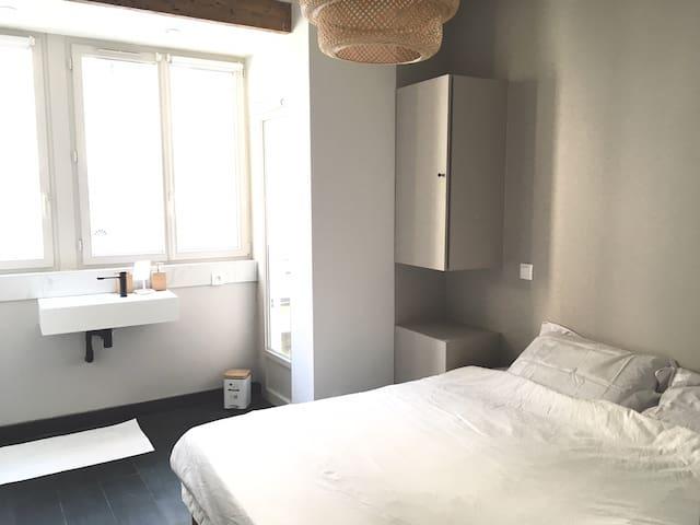 Lovely Private Room in Quiet Loft | Paris 18th