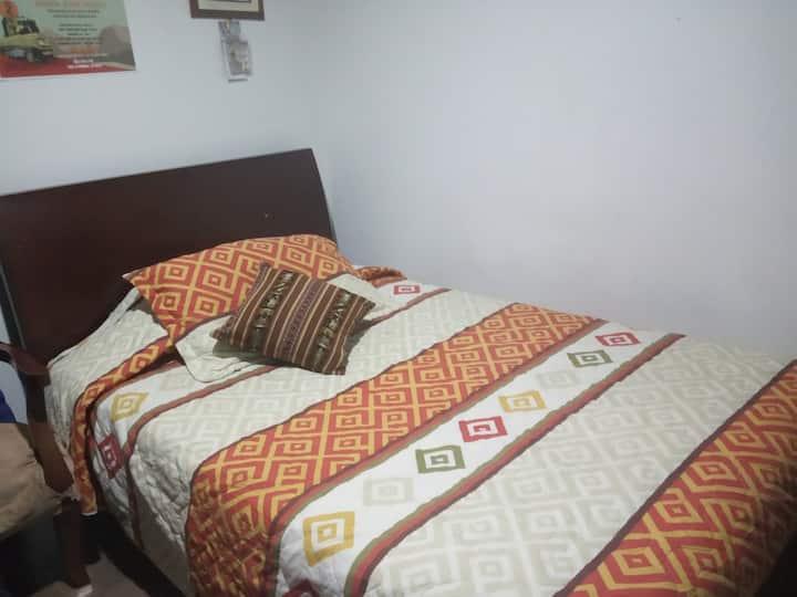 Dany. Habitación en Zipaquirá muy buena ubicación.
