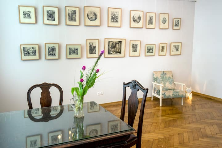 Lviv Centre Opera Apartment Art Space for 1-3 75m2