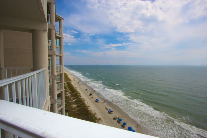 Live Large! One Ocean Place Corner with Penthouse View, Low Fall Rates, Perfect Winter Home! - Garden City