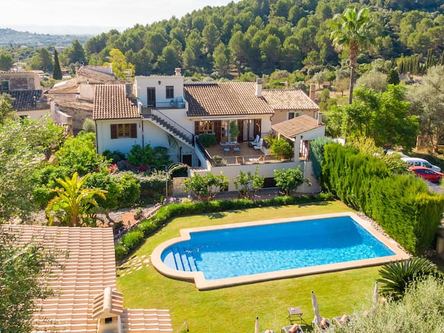 Beautiful house with pool in the Serra Tramuntana