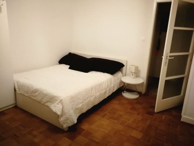 Nice room in renens near Lausanne and EPFL, ECAL