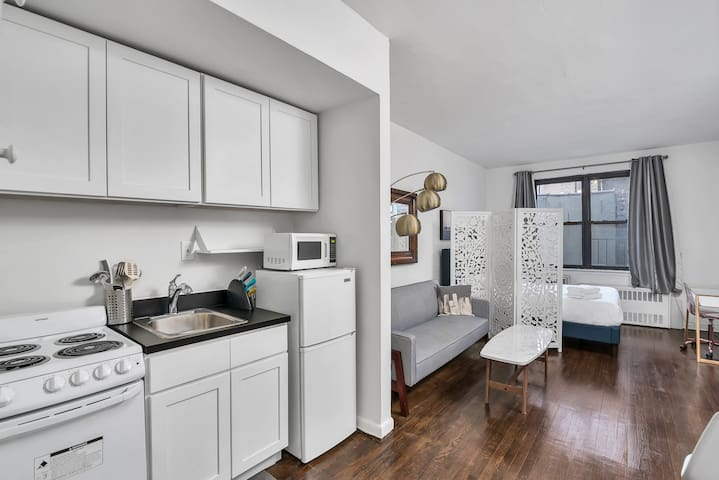 76 St & 2 Ave /Renovated studio/ Elevator/ Laundry