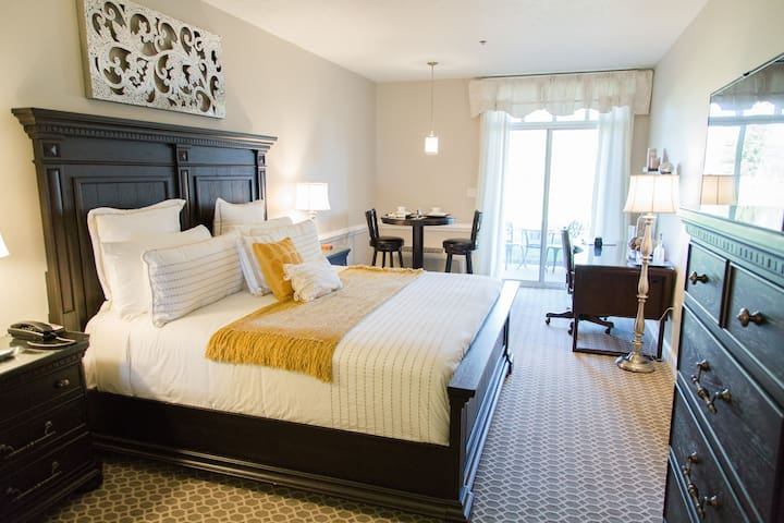 King Room | a luxury boutique hotel