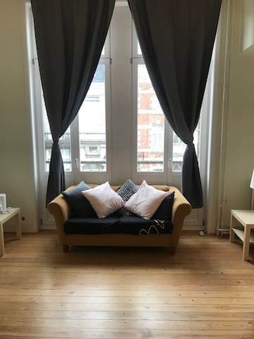 Very large double room EU area shared bathroom