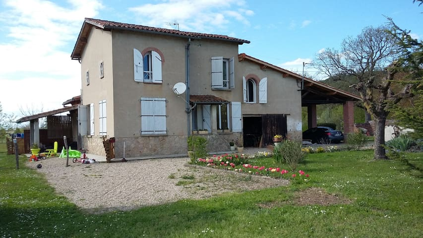Detached country house (45 mn from Toulouse) - Villemur-sur-Tarn - Casa