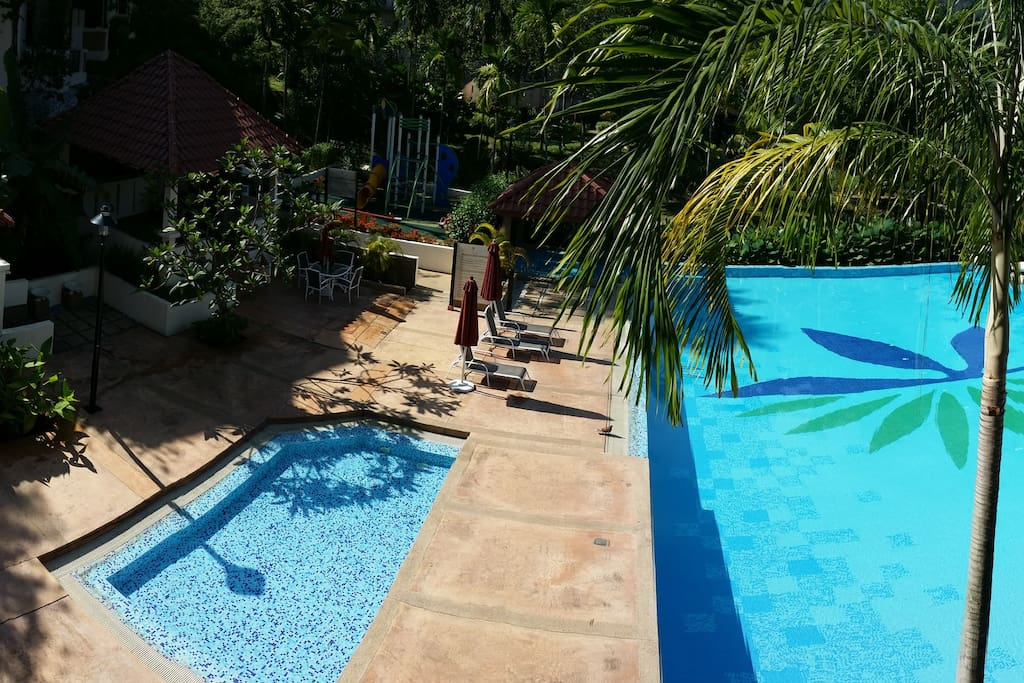 Swimming pool with wading pool and Jacuzzi