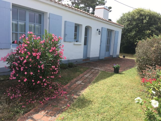 Noirmoutier-en-l'Ile, maison les Sableaux.