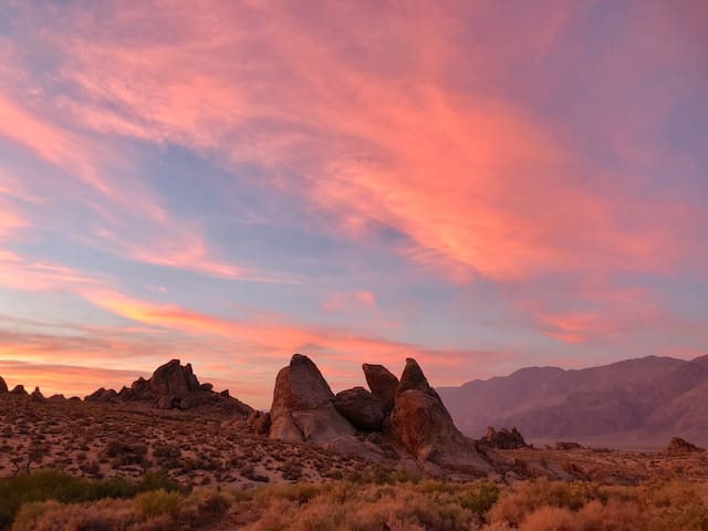 >>Newly Remodeled Home on 5 acres in Alabama Hills