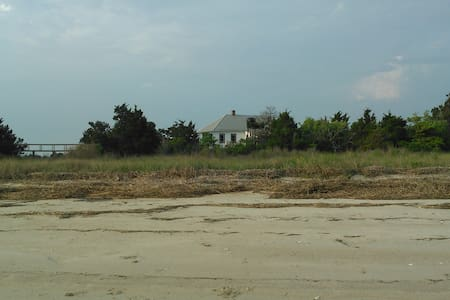 Large Cabin on Private Island on the Eastern Shore - Cape Charles - Zomerhuis/Cottage