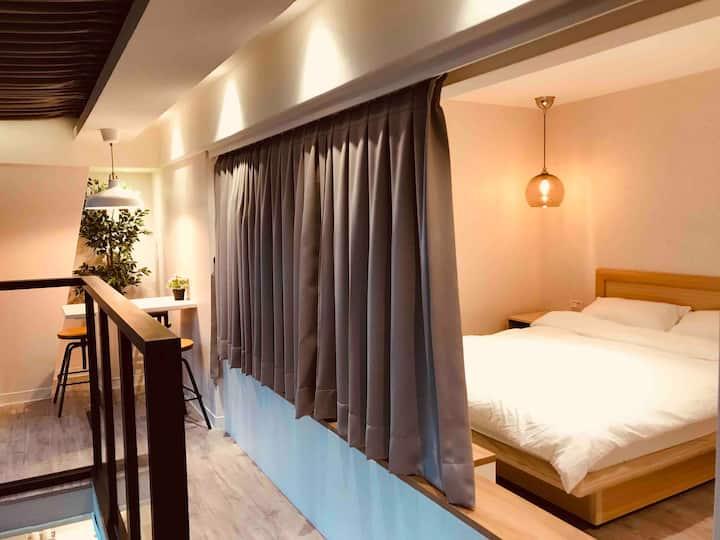 Luna House 8A全新現代風,近機場捷運林口站,林口長庚醫院與三井購物中心(住30天以上)。