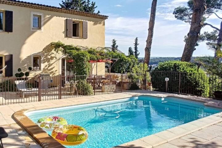 Bel appartement 55 m² dans une maison provençale