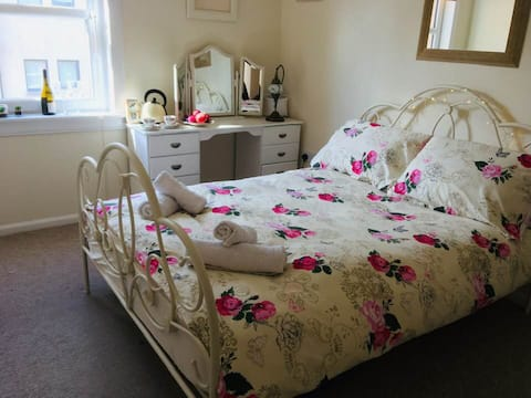 'Mermaid's Cabin' Stunning Harbourside Room