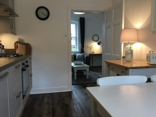 Superhost's newly listed city centre apartment