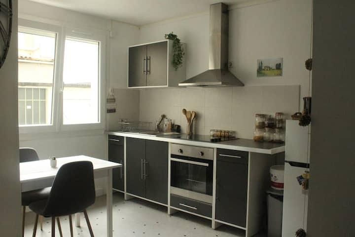 Grand studio  38m² hyper centre de Valence