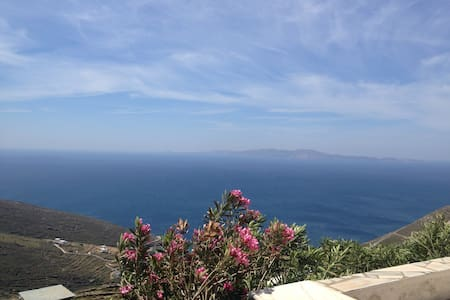 The Aegean Sea experience in Tinos! - Isternia - Casa