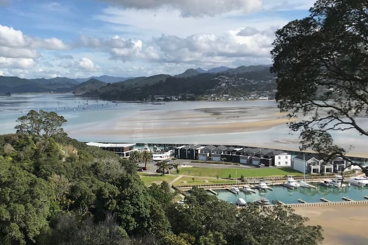 Tairua Views House on Paku