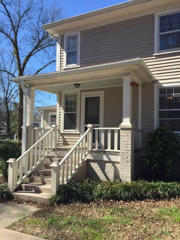 Quiet Private Suite in Historic Home