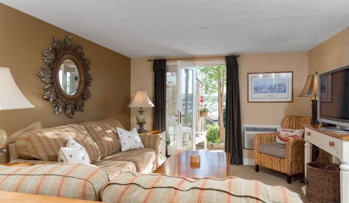 Sheepscot Harbour Village Resort - Inn Room 301