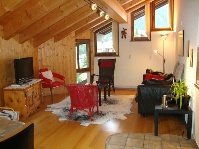 Dachwohnung mit viel Atmosphäre - Zermatt - Apartment