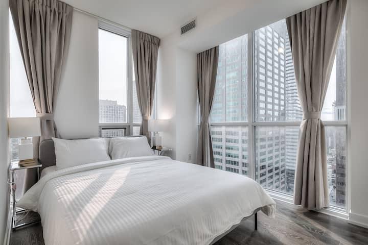 Brand New & Luxurious 2-Bedroom Condo / Yorkville