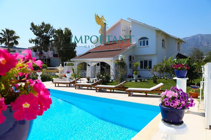 KB402-4 Bedroomed Villa With Pool in Kyrenia