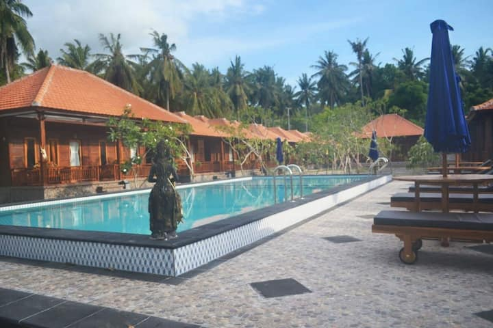 Beachfront 7 Private Cottage with Big Pool&Garden