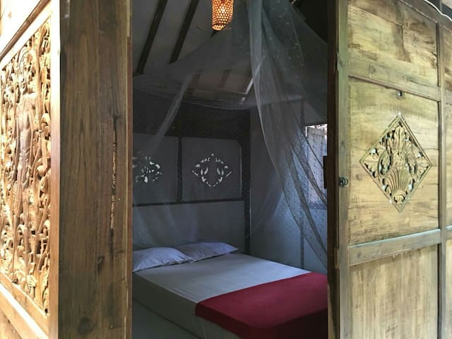 FrogStay Nawangi Room by the River