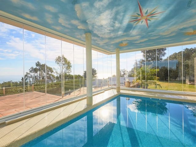 Villa Arabica in Mas Nou with two swimming pools