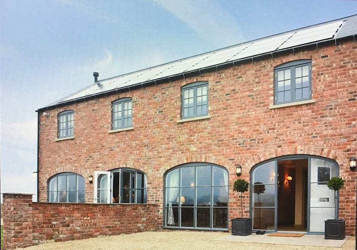 Tastefully Converted Coach House
