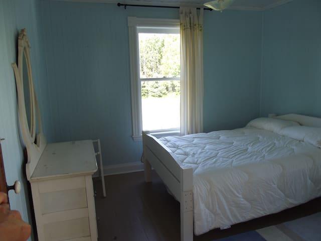 Willett House Room 5