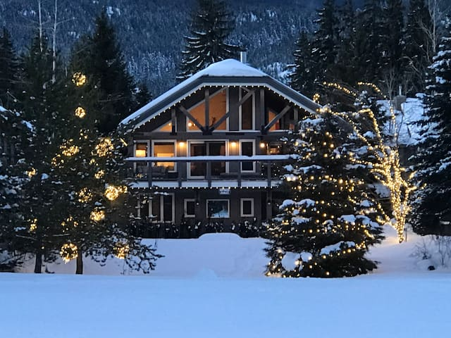 Northwood Chalet Whistler: Private Luxury Home