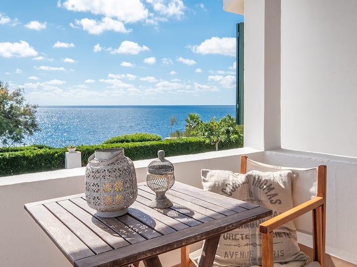 Charming Villa with sea views in Cap d´en Font