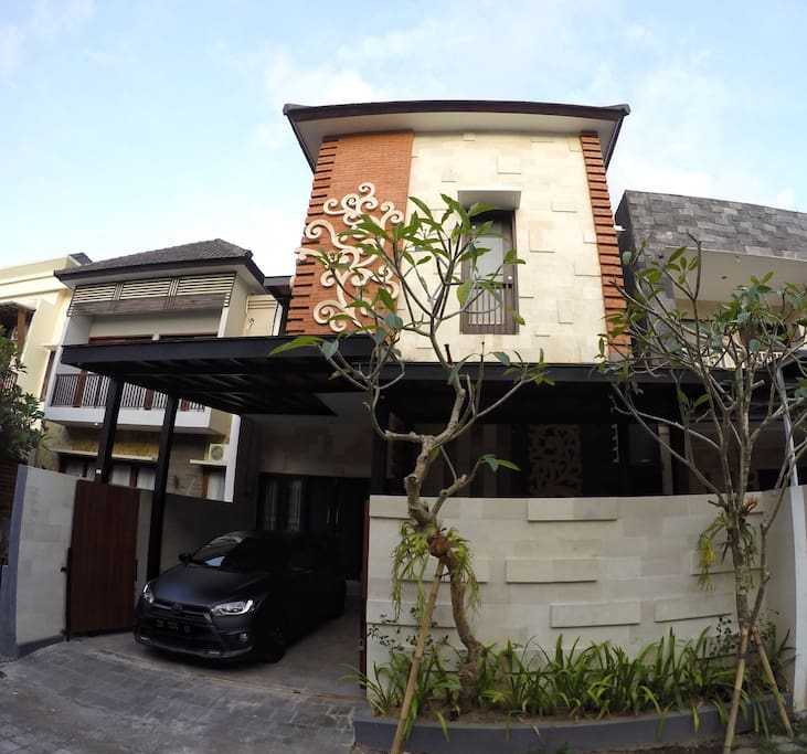 Minimalist house in central bali houses for rent in for Minimalist house jakarta