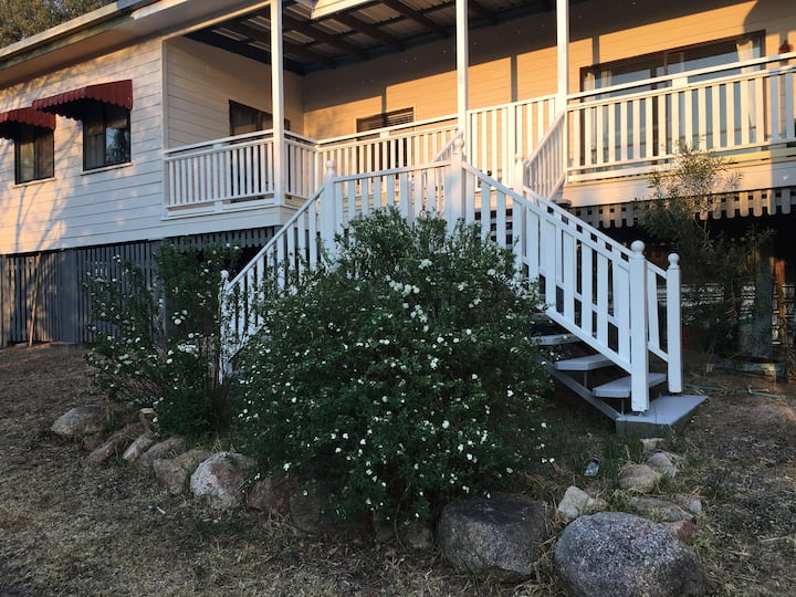Glen Aplin Gardens B&B 5 bedroom house available