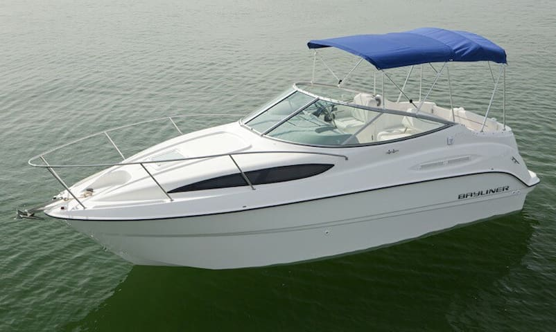 Tablerock Lake Cabin Cruiser Lux - Hollister - Barco