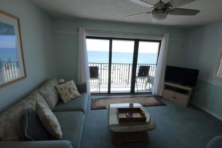 1BR/1BA Condo on Beach w/Pool on Beach; Wi-Fi-303
