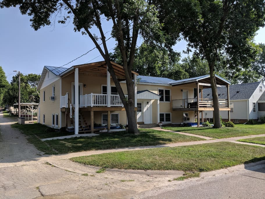 Water view 4 blks to public beach downtown - 3 bedroom apartments in clear lake tx ...