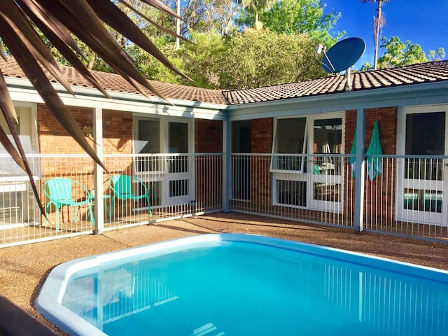 Point Clare Holiday Property with Pool and Spa.